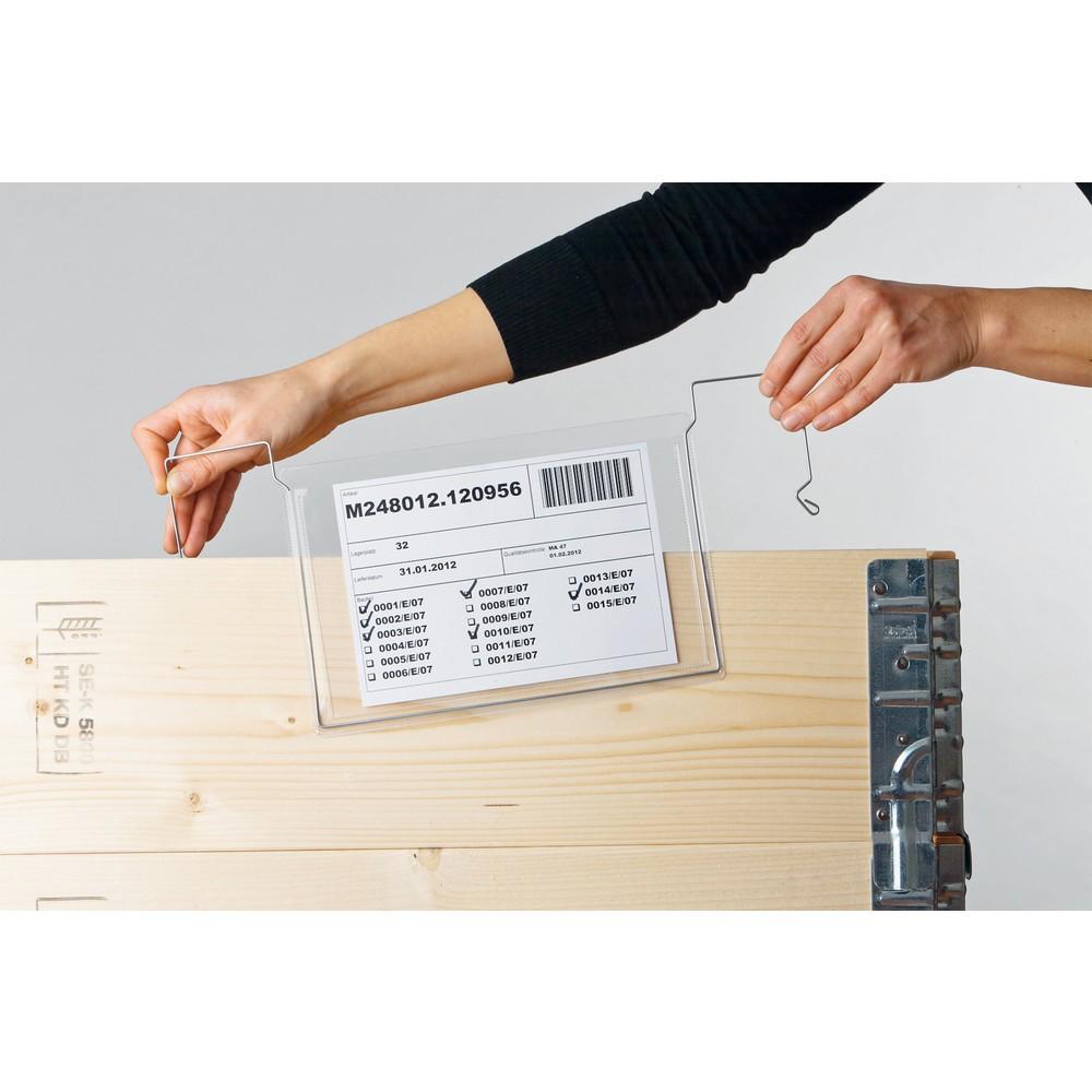 Image of Universell einsetzbare Dokumententaschen mit praktischem Drahtbügel Mit Hilfe der Drahtbügeltaschen lassen sich Begleitpapiere, Produktions- oder Laufkarten schnell und sicher an unterschiedliche Trägermedien, wie z. B. Gitterboxen, Kisten, Paletten, Meta