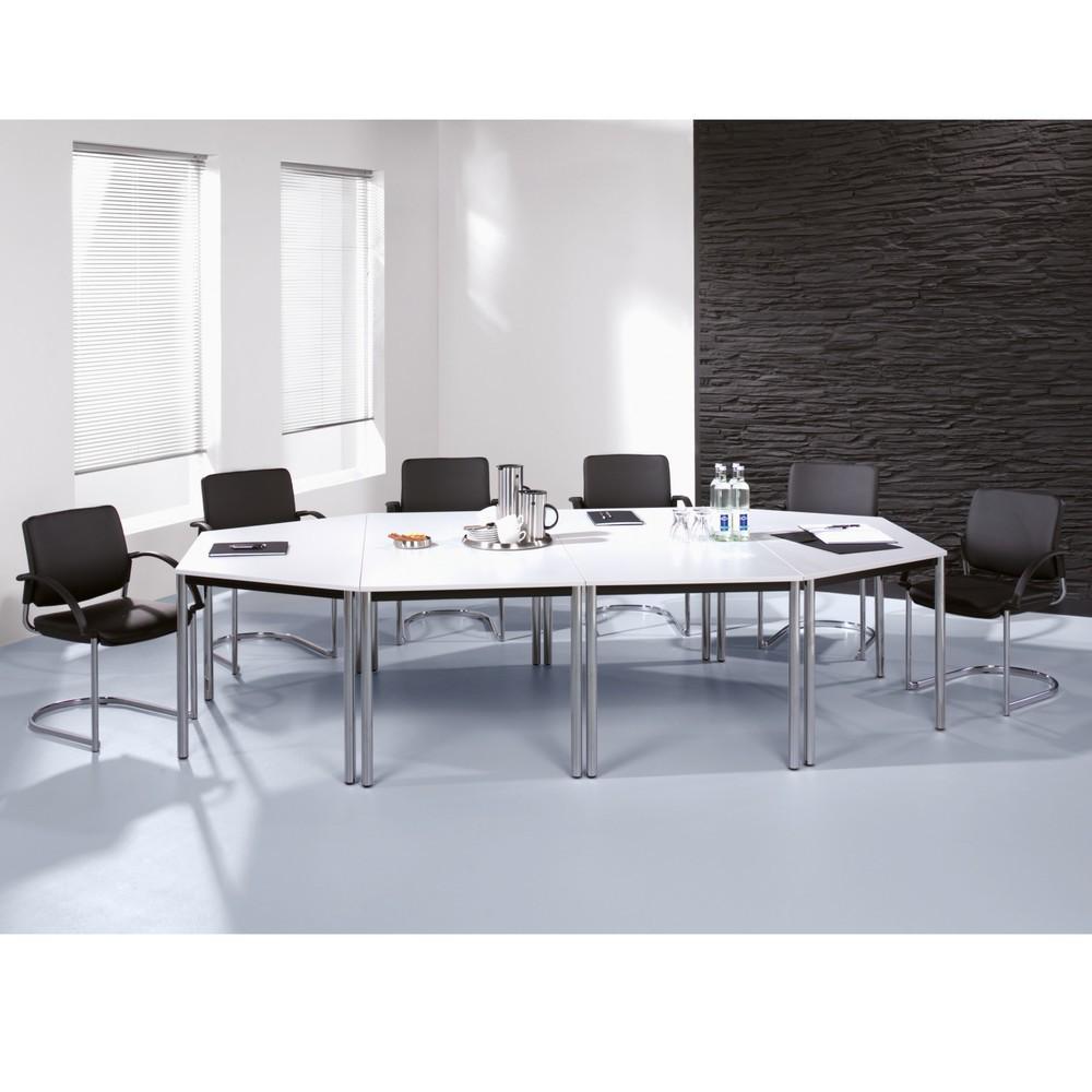 Image of Umlaufender Stahlrahmen, 40x20 mm, einbrennlackiert matt schwarz, mit den Tischplatten verschraubt. Tischplatten aus 19 mm starken melaminbeschichteten Spanplatten, mit 2 mm abgerundeten Kanten. Höhenverstellbar um +/- 5 mm über Stellschraube. Lieferung z