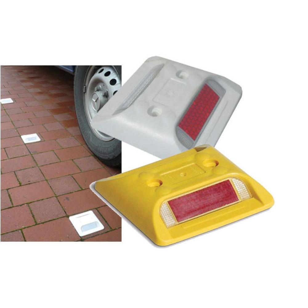 Image of  Lieferung inklusive DrehstiftnagelMarkierungsnagel mit Reflektoren, eckig, HxBxT 20 x 105 x 105 mm, gelb Markierungsnagel mit Reflektoren, eckig, HxBxT 20 x 105 x 105 mm, gelb