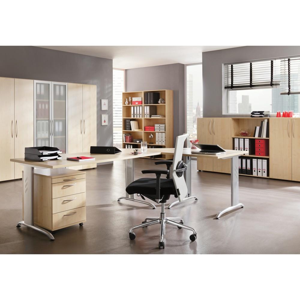 Image of Verkettungsplatten für eine grössere Arbeits- und Ablagefläche in Büroräumen Mit Anbau-Schreibtischplatten erweitern Sie mühelos Ihre Schreib- und Arbeitstische und schaffen grössere Arbeitsflächen im Büro. Eine Trapezplatte mit Stützfuss lässt sich aufgr